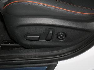 2017款1.6T GLX领先型 座椅调节