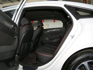 2017款1.6T GLX领先型 后排空间