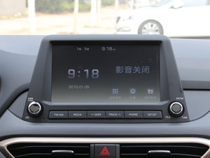 2017款1.6L 手动悦心型 中控台显示屏