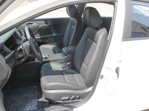 2017款1.8L 自动尊贵型DLX 前排座椅