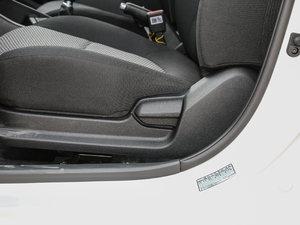 2017款1.4L 手动焕彩天窗版 座椅调节