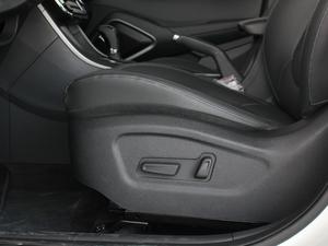 2018款2.0L 自动两驱智勇畅联版 座椅调节