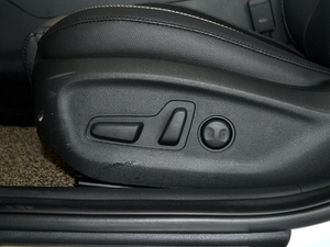 2018款2.0L 自动智联版 座椅调节