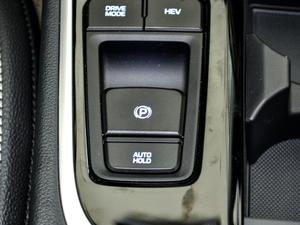 2018款2.0L 自动智联版 驻车制动器