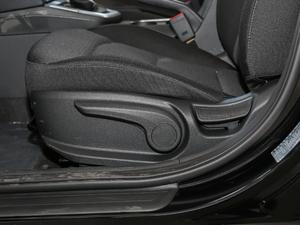 2018款1.6L 自动15周年特别版 座椅调节