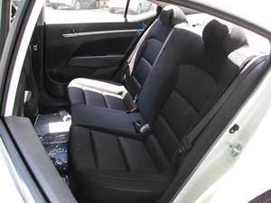 2018款1.6L 自动15周年特别版 后排座椅