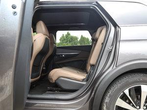 2017款380THP 豪华GT版 7座 后排空间