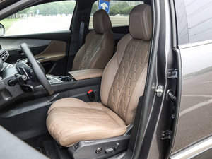 2017款380THP 豪华GT版 7座 前排座椅