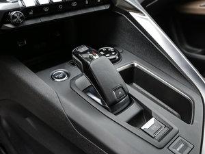 2017款380THP 豪华GT版 7座 变速挡杆