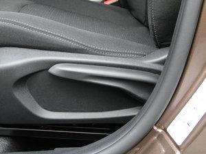 2017款1.6L 手动舒适版 座椅调节