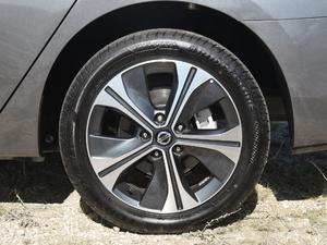 2018款智尊版 轮胎
