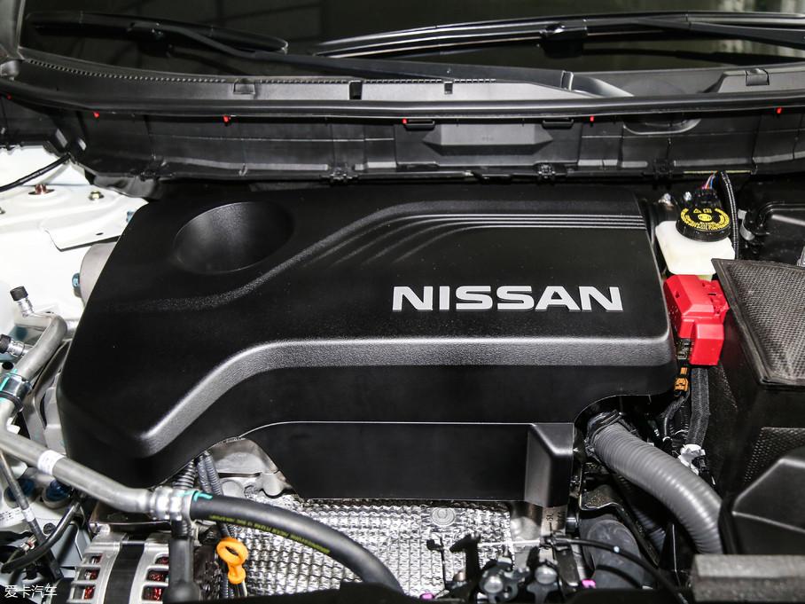 奇骏搭载了排量为2.0L和2.5L的两款发动机,其中2.5L发动机最大功率137kW(186Ps)/6000rpm,最大扭矩246Nm/4000rpm。