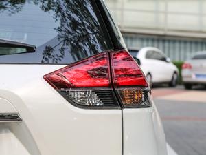 2019款2.5L CVT四驱智联至尊版 尾灯