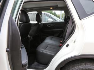 2019款2.5L CVT四驱智联至尊版 后排空间