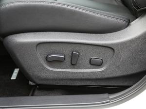 2019款2.5L CVT四驱智联至尊版 座椅调节