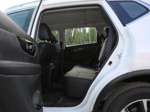 2019款2.5L CVT四驱智联豪华版 后排空间