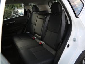 2019款2.5L CVT四驱智联豪华版 后排座椅
