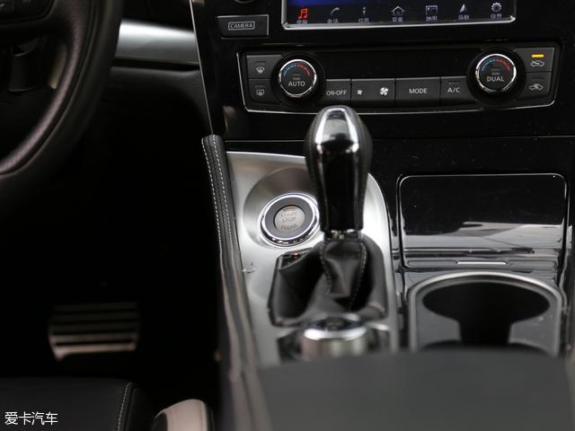西玛所匹配的CVT变速箱在一定程度上削弱了自身的运动特质,但却对车辆的燃油经济性有着一定帮助。