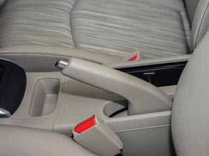 2016款1.6XE 手动舒适版 驻车制动器