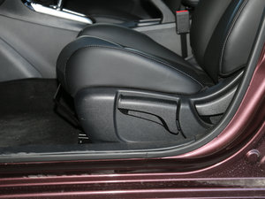 2016款1.6XV CVT智尊版 座椅调节