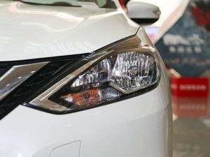 2016款1.6XL CVT豪华版 头灯