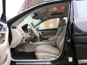 2016款公爵 2.5L XV-VIP旗舰版 前排空间