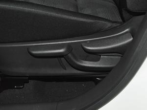 2017款1.5L XL CVT酷享版 座椅调节