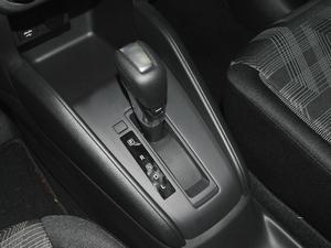 2017款1.5L XL CVT酷享版 变速挡杆