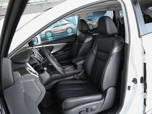 2017款2.5L S/C HEV XE HEV四驱 尊尚版 前排座椅