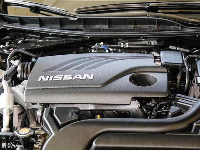 天籁2.5L XL Upper智享版搭载的是一台代号为QR25的2.5L自然吸气发动机,其最大功率为137kW(186Ps)/6000rpm,最大扭矩为234Nm/4000rpm。