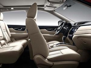 2017款2.5L CVT四驱至尊版  空间座椅