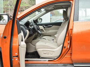 2017款2.5L CVT四驱领先版 7座 前排空间