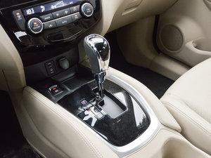 2017款2.5L CVT四驱领先版 7座 变速挡杆