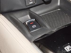 2017款2.5L CVT四驱领先版 7座 驻车制动器