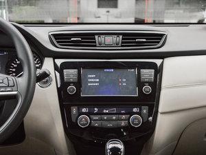 2017款2.5L CVT四驱领先版 7座 中控台