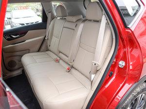 2017款2.5L CVT四驱豪华版  后排座椅
