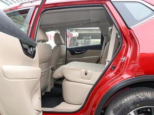 2017款2.5L CVT四驱豪华版  后排座椅放倒