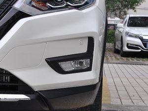 2017款2.5L CVT四驱至尊版  雾灯