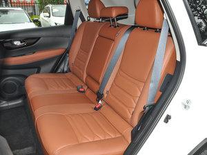 2017款2.5L CVT四驱至尊版  后排座椅