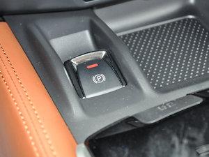 2017款2.5L CVT四驱至尊版  驻车制动器