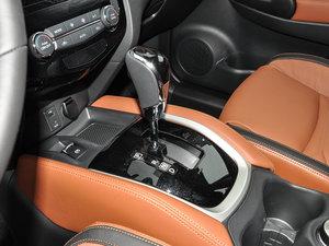 2017款2.5L CVT四驱至尊版  变速挡杆
