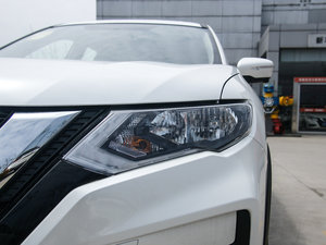 2017款2.0L CVT两驱舒适版  头灯