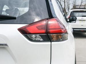 2017款2.0L CVT两驱舒适版  尾灯