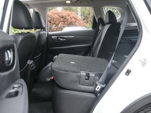 2017款2.0L CVT两驱舒适版  后排座椅放倒