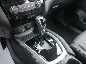 2017款2.0L CVT两驱舒适版  变速挡杆