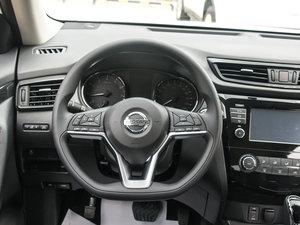 2017款2.0L CVT两驱舒适版  方向盘