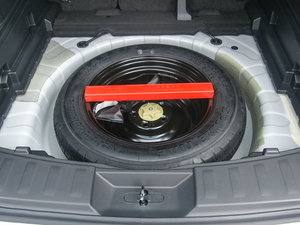 2017款2.0L CVT两驱舒适版  备胎