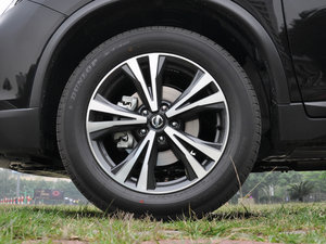 2017款2.5L CVT四驱领先版  轮胎