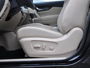 2017款2.5L CVT四驱领先版  座椅调节