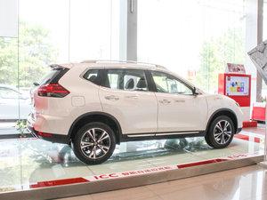2017款2.5L CVT四驱豪华版  纯侧